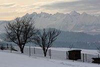 Widok z Mizernej na Tatry zimą