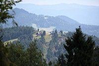 Gora Wdżar widziana z Wielkiego Pola
