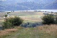 Okoliczne pola z Jeziorem Czorsztyńskim w tle