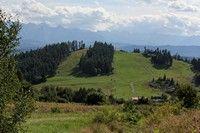 Góra Wdżar, widok na stoki narciarskie od strony Lubania