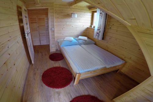 domek - pokój na piętrze